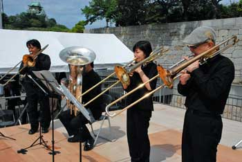 日本センチュリー交響楽団の仲間がオープニングで演奏