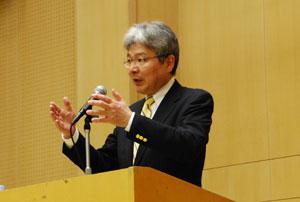 逢坂さんは、自治体から地域をどう変えていくのか積極的な提案が必要と語る